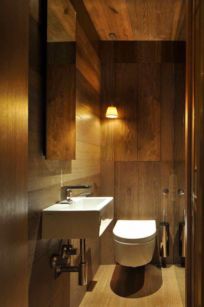 баня с тоалетна
